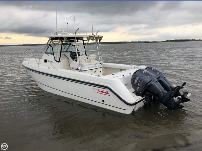 MagBay Fishing Hydrasport 28 ft boat