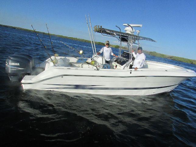 MagBay Fishing Hydrasport 28 ft boat